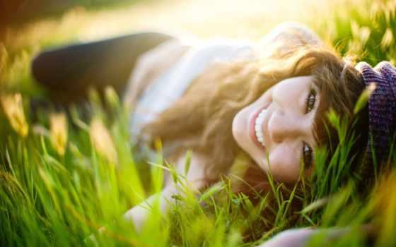 девушка, траве, лежит, зеленой, разных, удыбка, devushki, positive,