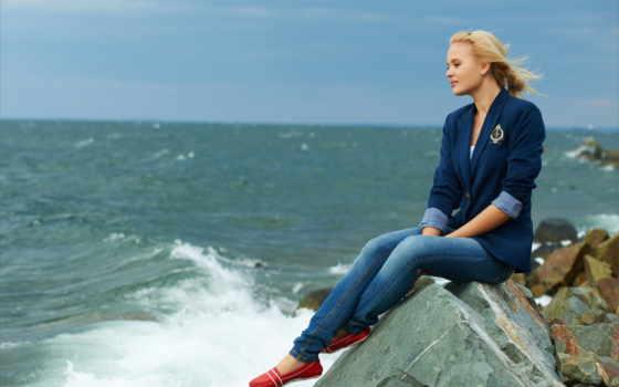 море, blonde, камни