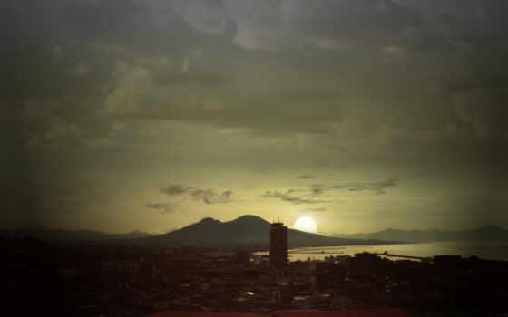 солнце, город