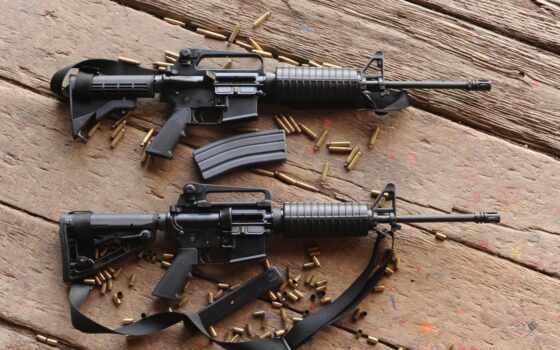 винтовки, штурмовые, автоматы, доски, гильзы,