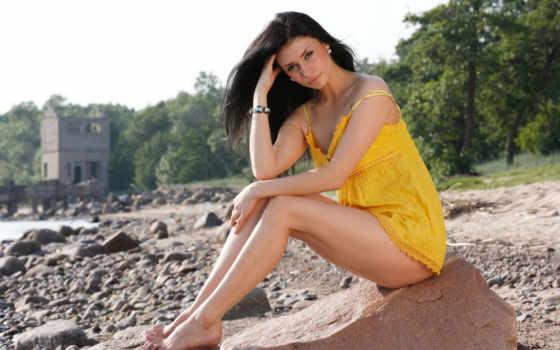 sexy, women, pack, брюнетка, камни, жёлтое, платье, girl, часть, you, beauty,
