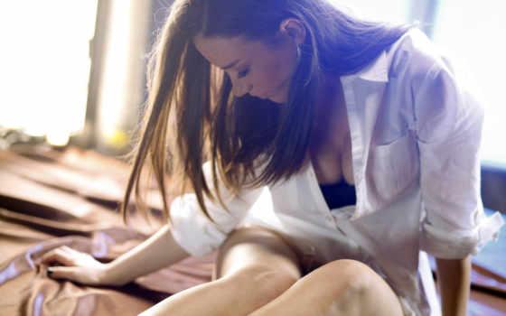 девушка, постель, шатенка, белая, картинка, рубашка, ножки, грудь, дайнеко, виктория, trance,
