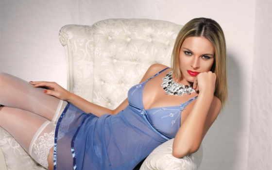 платье, белое, синее, кресло, девушка, sun, платья, одежда, devushki, пустыни,