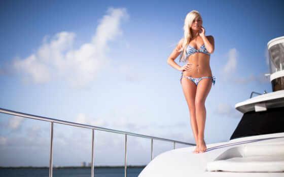 девушка, яхта, бикини, купальник, stand, картинка, blonde, море, платье, рисунок, пирсинг