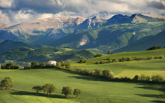 горы, небо, oblaka, lodge, поле, italian, trees, страница,