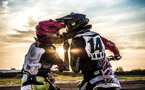 пара, прокатиться, bike, love, закат, спорт, romantic, мотокросс, поцелуй, мото,