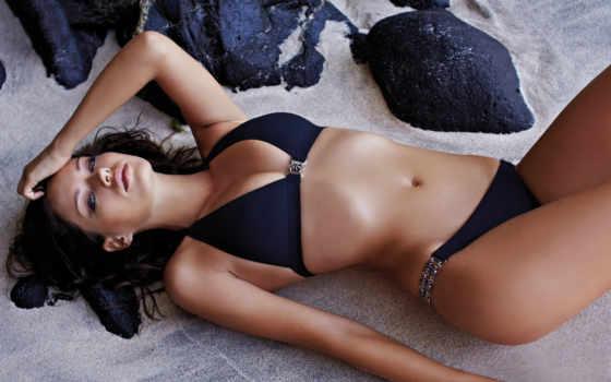 michea, crawford, bikini