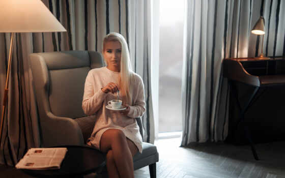 женщина, платье, blonde, лампа, sweater, portrait, sit, загар, motta