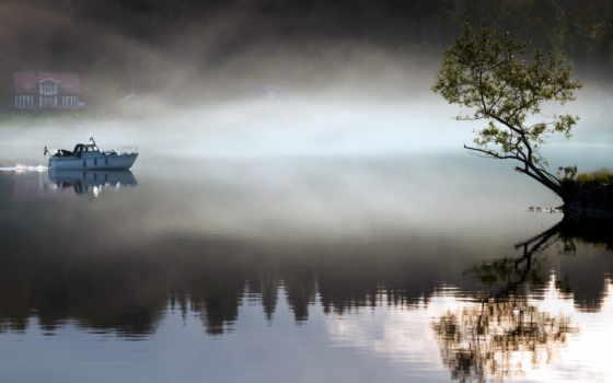 туман, лодка, озеро, утро, landscape, дерево, house, отражение, огни,