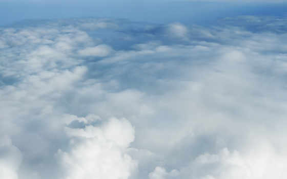 облаками, за