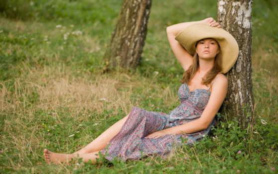 девушка, сидит, платье, шляпа, поза, devushki, дерево, взгляд, дерева, береза,