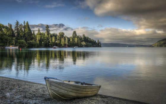 лодка, озеро, trees, берег, природа, горы, рисунки, oblaka, озера, берегу, лес,