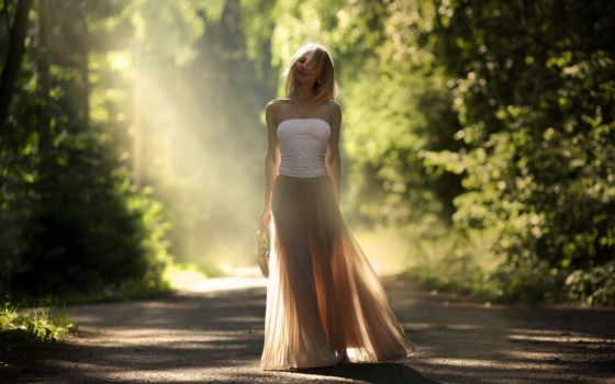 девушка, красивая, идёт, дороге, улице, красивые, заставки, devushki, чемоданом,
