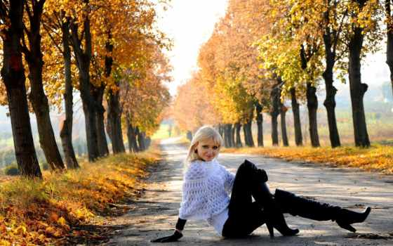 осень, девушка, tapety, blonde, devushki, trees, аллея, дорога, pulpit,