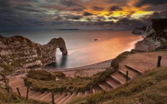 арка, море