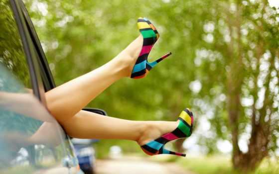 ноги, женские, машина, туфлях, туфли, кеды, женских, кусты, красные,