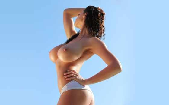 girls, обнаженная грудь