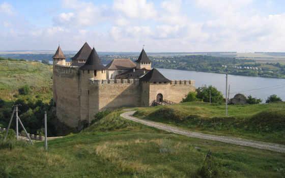 замок, украина