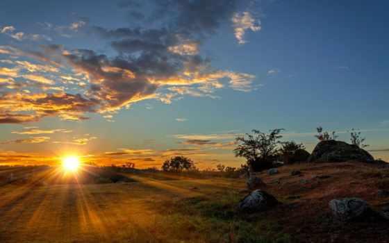 sun, rays, рассвет, rocks, trees, oblaka, небо, desktop, поле, трава,