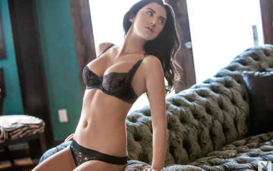 модель Courtney Nicole
