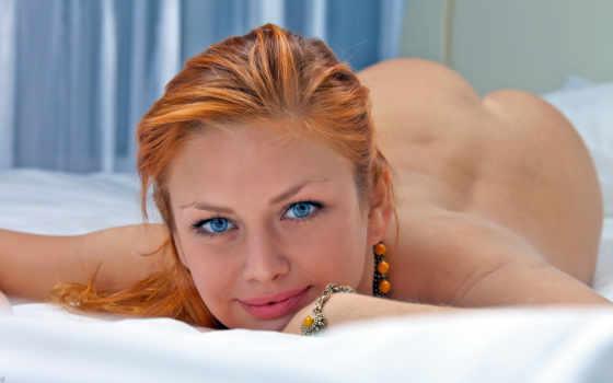 глаза, голубые, постель