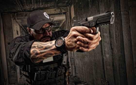 огнестрельный, pistol