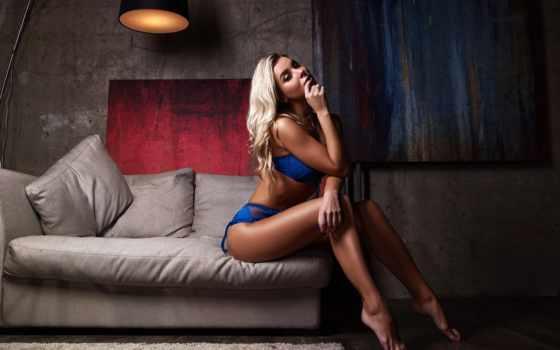 , голубое белье, модель, одежда, нога, красота, женское белье, бедро, длинные волосы, ножки,