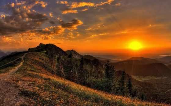 горы, закат, природа, sun, цветы, rays, след, взгляд, небо, landscape, трава,
