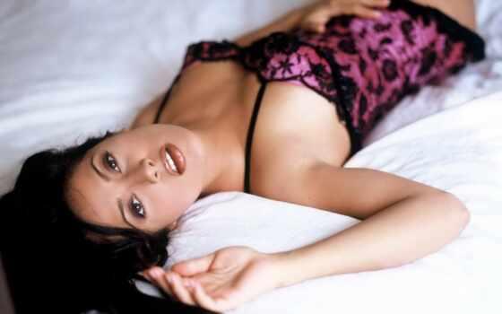 how, кровать, поцелуй, hayek, salma, gifs, kissing, french,