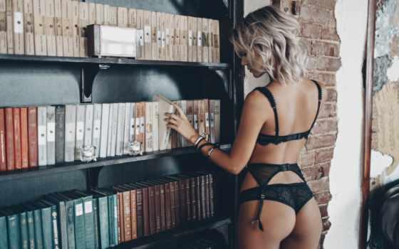 ,, женское белье, одежда, предмет нижнего белья, блондин, нога, провокатор, модель, бикини, бюстгальтер, черное белье