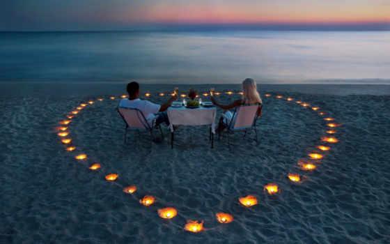 он и она, свечи, сердце, пикник, море, пляж, закат