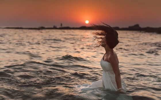 девушка, платье, water, waves, закат, невеста, белом, sun, ситуации, ветер,
