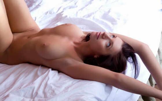 девушка, эротика, brunette, грудь, simone, взгляд, кровать,