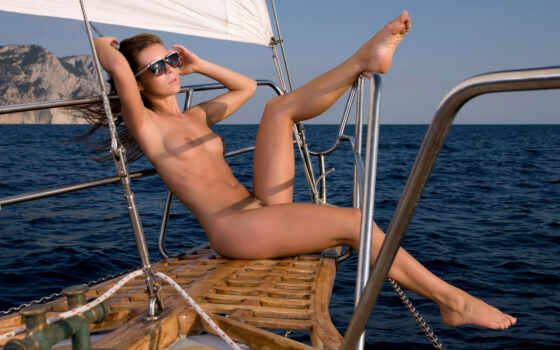 lilly, брюнетки, шатенки, яхта, девушка, эротика, поза, тело,