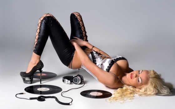 devushki, боб, губка, headphones, sexy, музыка, девушка,
