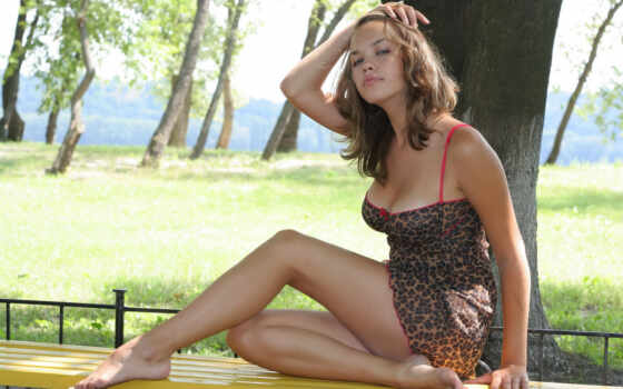 скамейка, дек, платье