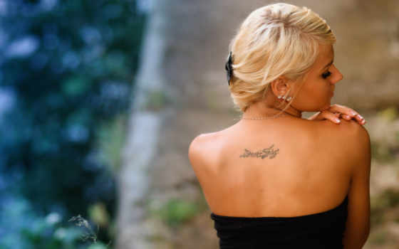тату, спине, надпис, спина, blondinka, плечи, татуировки, надписи, табличка,