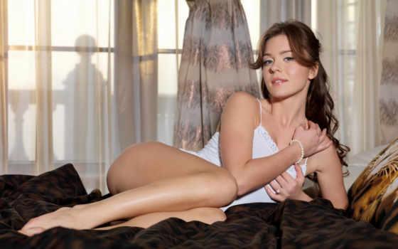 , ножки,красивые, girls, devushki, women, hot, сексуальные, шикарная, девушка лежит,