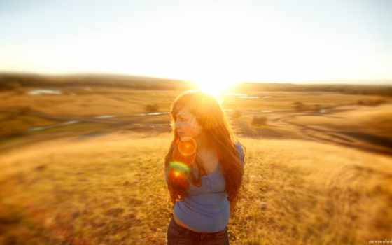 природа, девушка, поле, взгляд, sun, красиво, свет, lion,