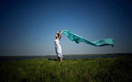 ветер, платье, ткань, шатенка, шаль, зелёная, горизонт, небо, трава, озеро, простор, wind, wallpaper, is, красивые, девушки, and, машины,