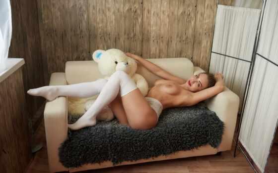 кровать, диван, красивая грудь, эротика,