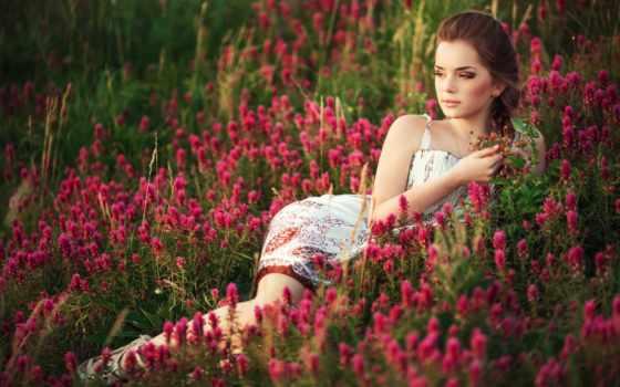 девушка, cvety, поле, трава, summer, природа, весна, brunette, луг, красавица,