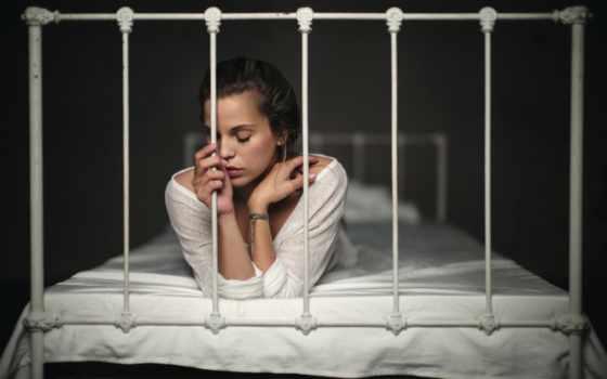 florian, weiler, loneliness, девушка, кровать, картинка, you,