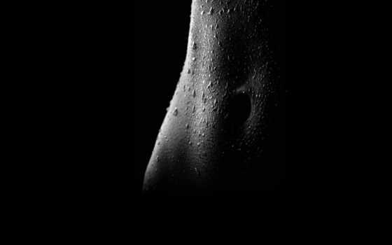 мокрый животик во тьме