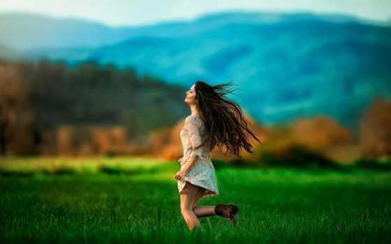 девушка, бежит, картинка, поле,