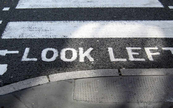 смотреть, left, переход, дорога, краска, slova, надпись, тротуар, слово, указатель, streaks,