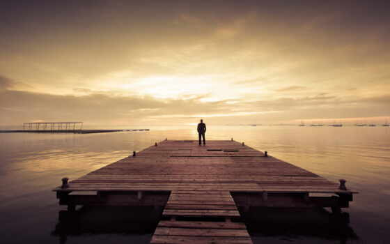 человек, озеро