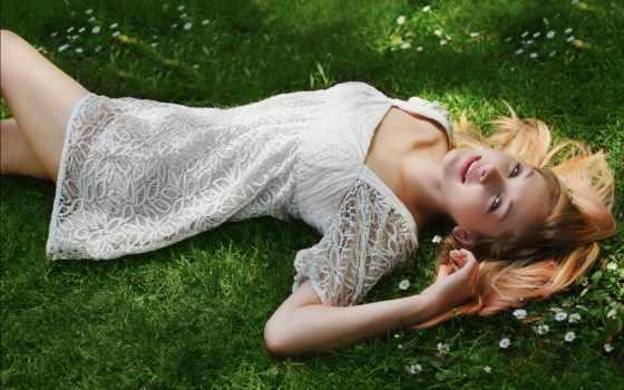 лежит, девушка, траве, платье, белом, разных,