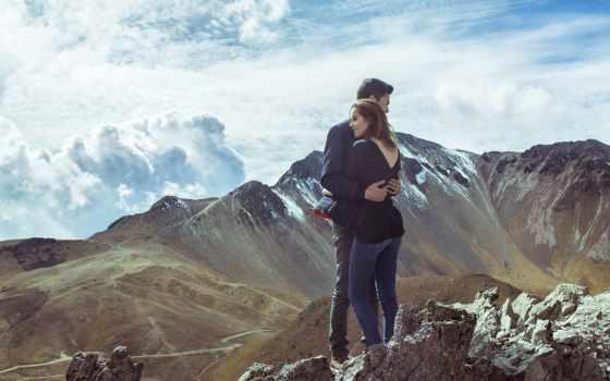 горы, вершине, стоят, мужчина, женщина, объятия, девушка, парень,