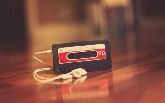 плеер в виде ленточной кассеты